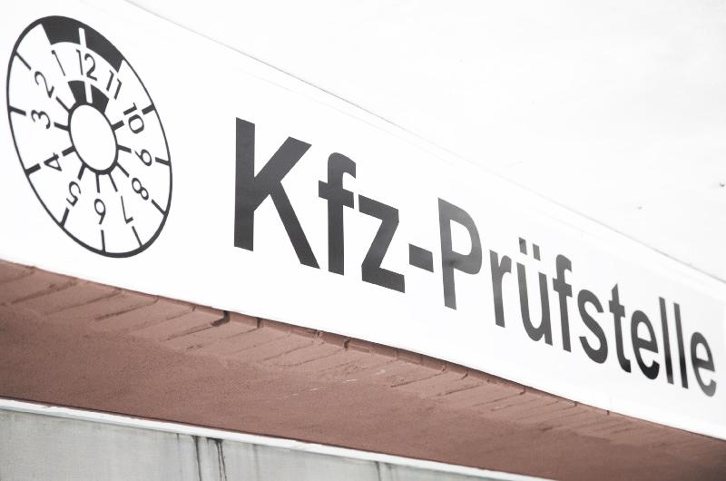 Kfz Zulassungsdienst bei Leonhardt-Garagen