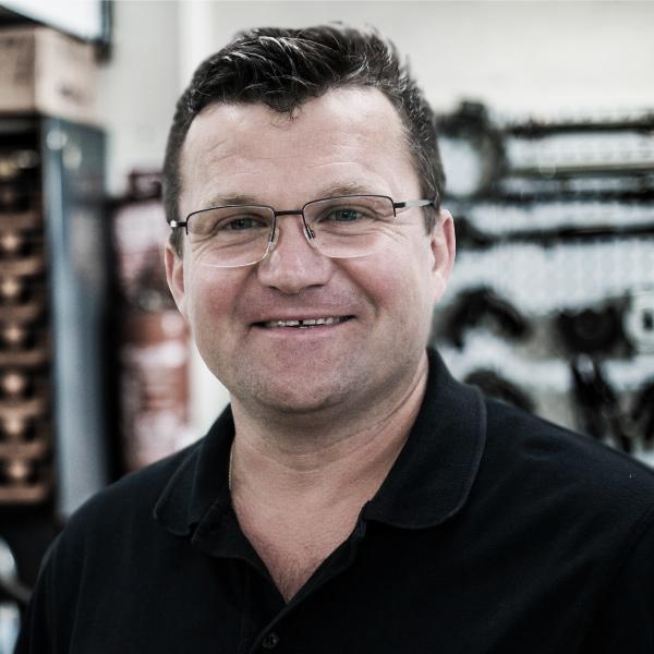 Andrej Steinert - Leonhardt-Garagen